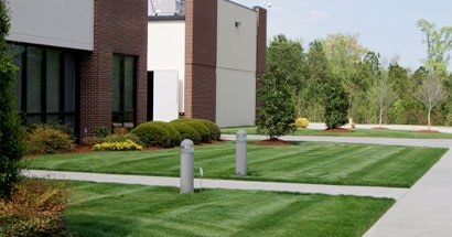 commercial building landscaping